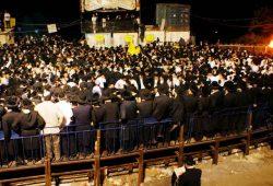 למה זכה רבי שמעון בר יוחאי שכל עם ישראל עולה על קברו ביום פטירתו