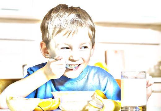ילד-אוכל