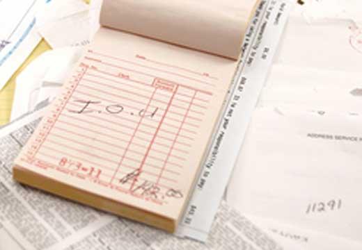 אדם הוציא נייר קבלה בשבת האם חייב?